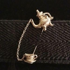 Adorable vintage Avon teapot & cup broach/pin